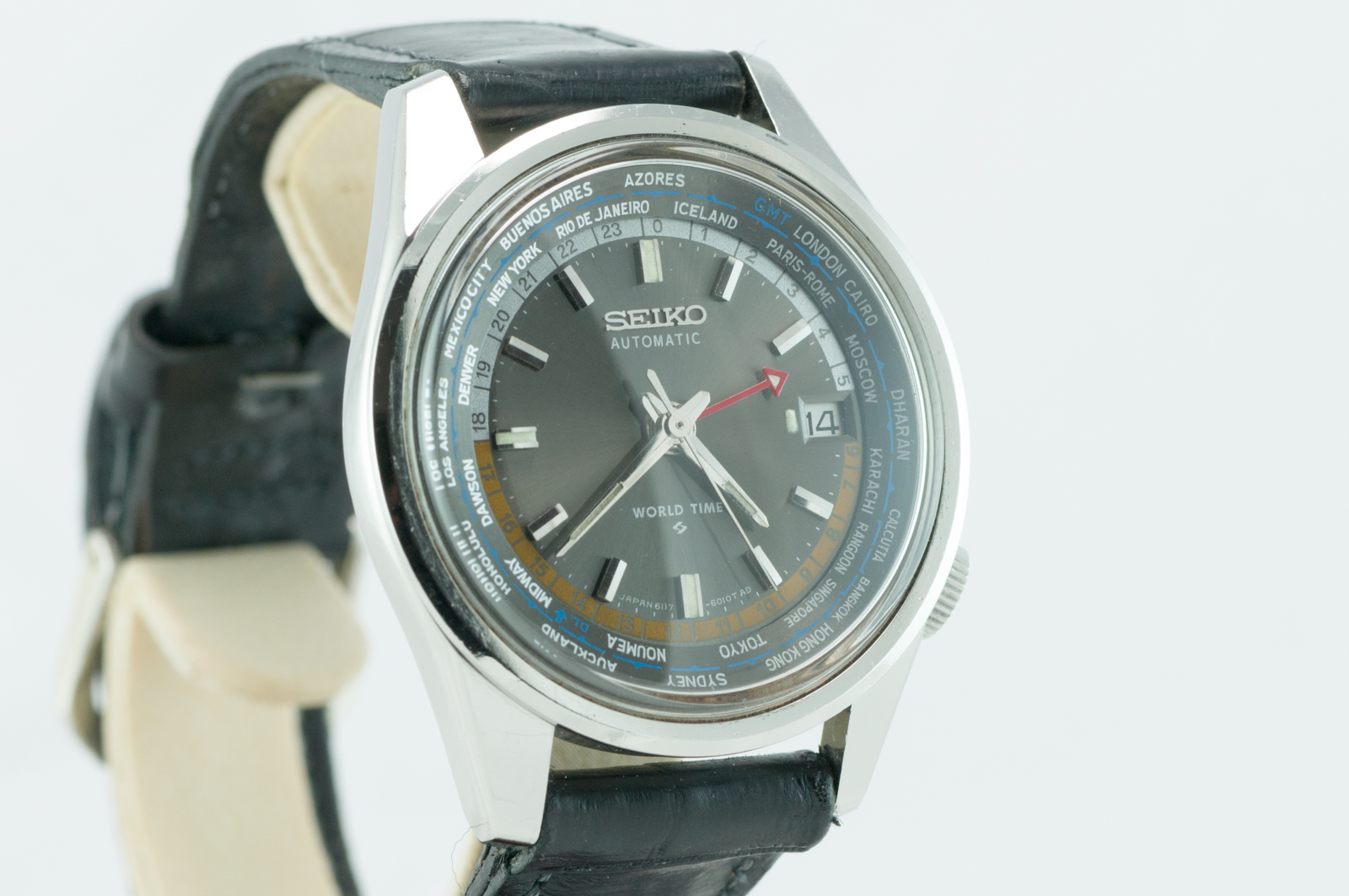 Seiko World Time Black Dial-7